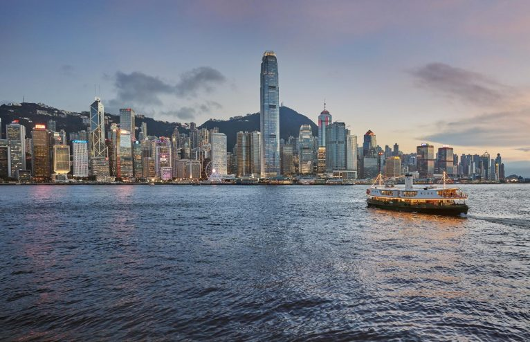 The Landmark Mandarin Oriental: Hong Kong's Chicest Urban Retreat