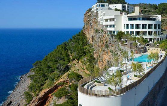 Sea or mountain? Wake Up At Jumeirah Port Soller, Mallorca